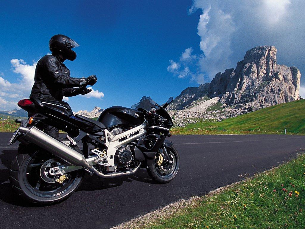 http://teraz.com.pl/vardata/galeria/motocykle/motocykle101.jpg